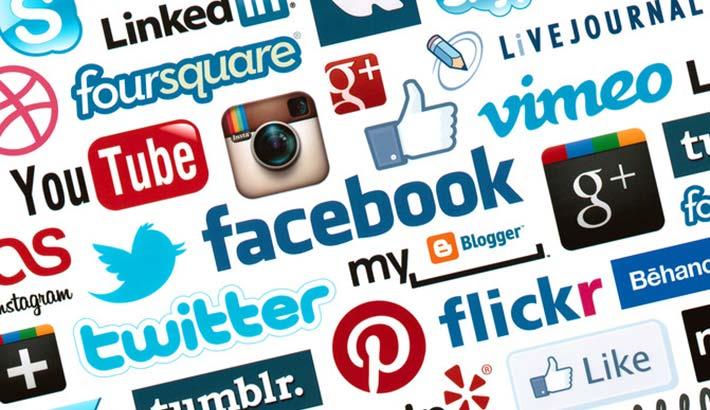 web-tax-social-networks