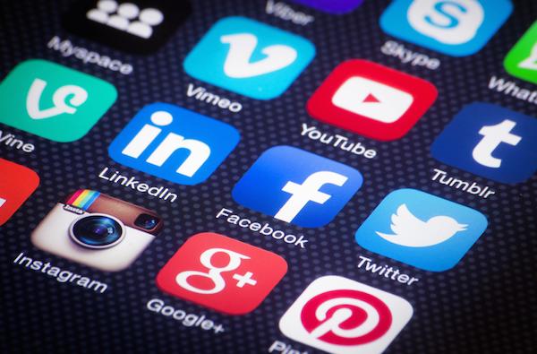 Social network per promuovere attività commerciale